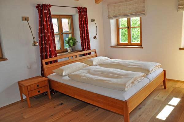 Romantisches Schlafzimmer in der Ferienwohnung Amelie